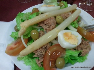 mixed salad with tuna