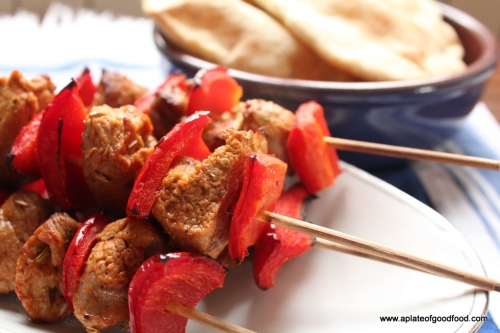 how to cook marinated pork souvlaki in pita